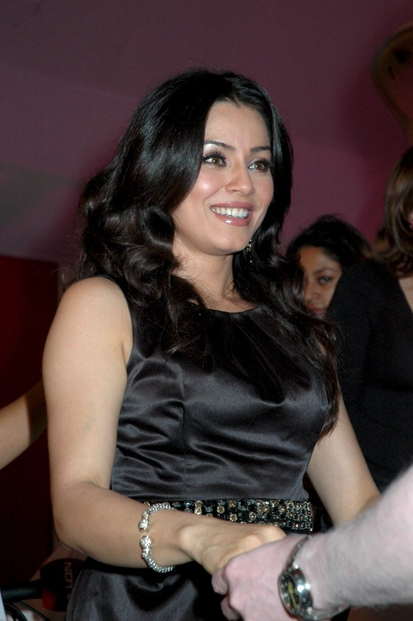 Nude photo of mahima chaudhury — photo 11