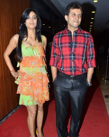 Veena Malik enjoys Ashmit Patel's Birthday Party - Pics
