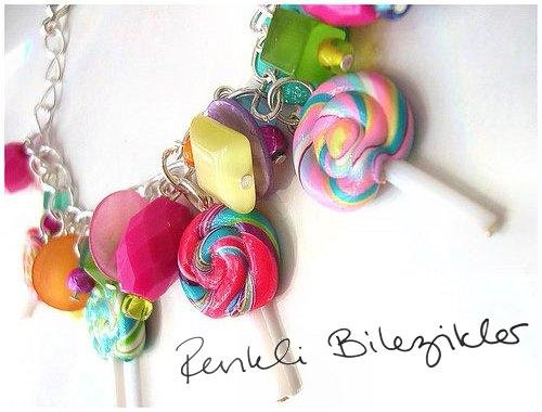 .:Renkli Bilezikler:.