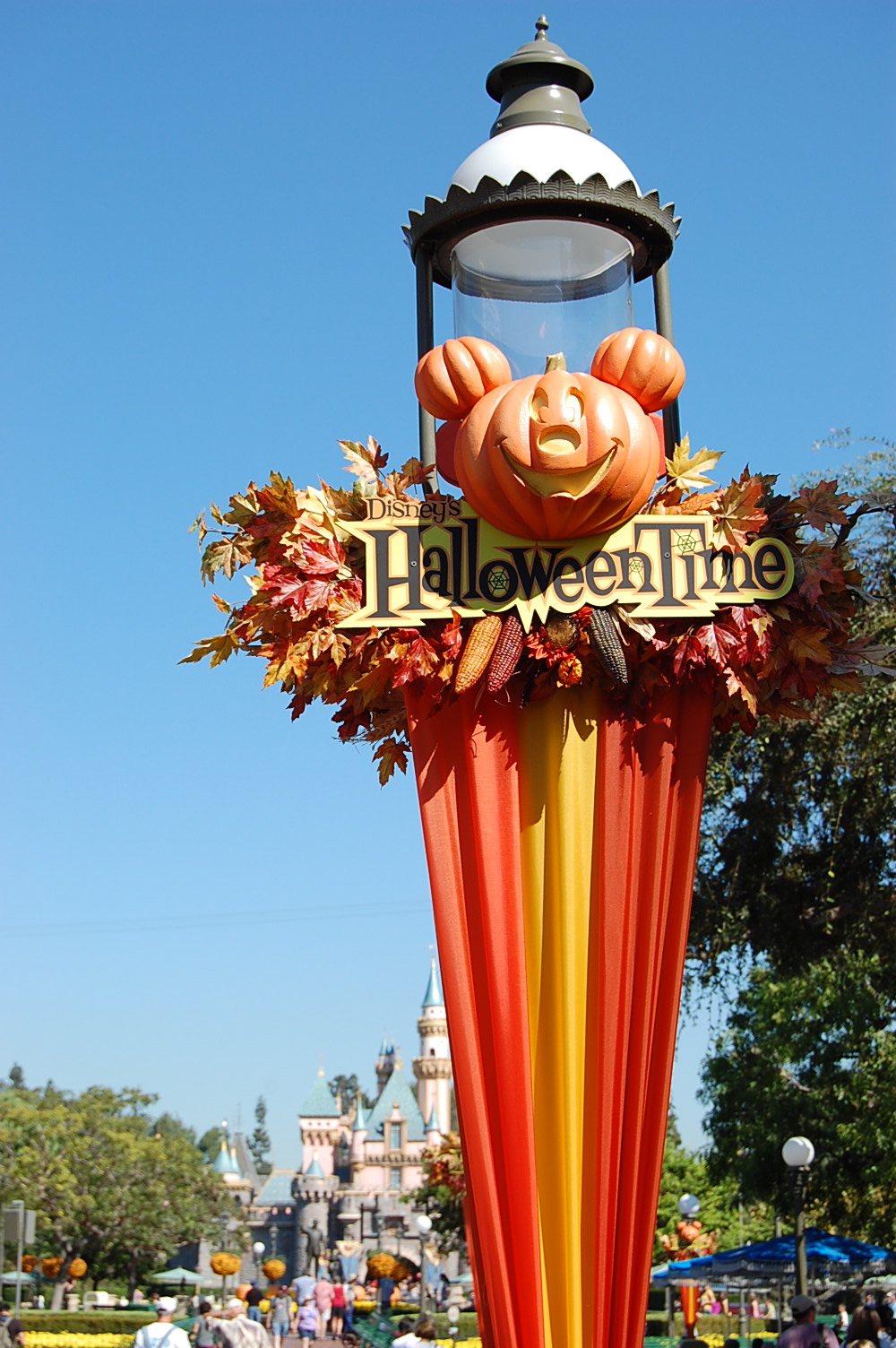 from through the end of october itu0027s at disneyland and main street is all decked out for the occasion