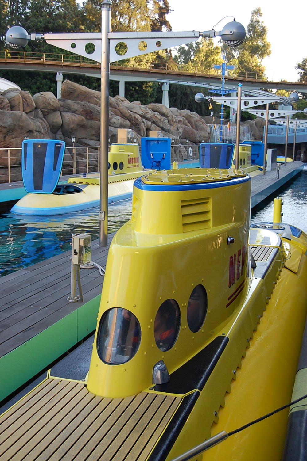DisneyShawn: Where in Disneyland? Finding Nemo Submarine ...