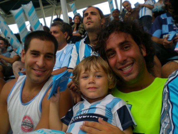 Pepi y Rafi con el más grande...