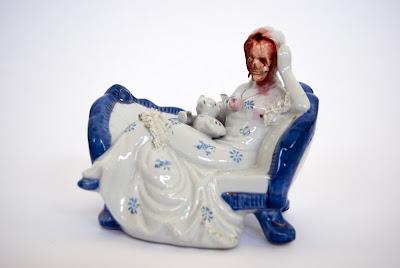 Porcelaine Gore : Jessica Harrison Figurine7