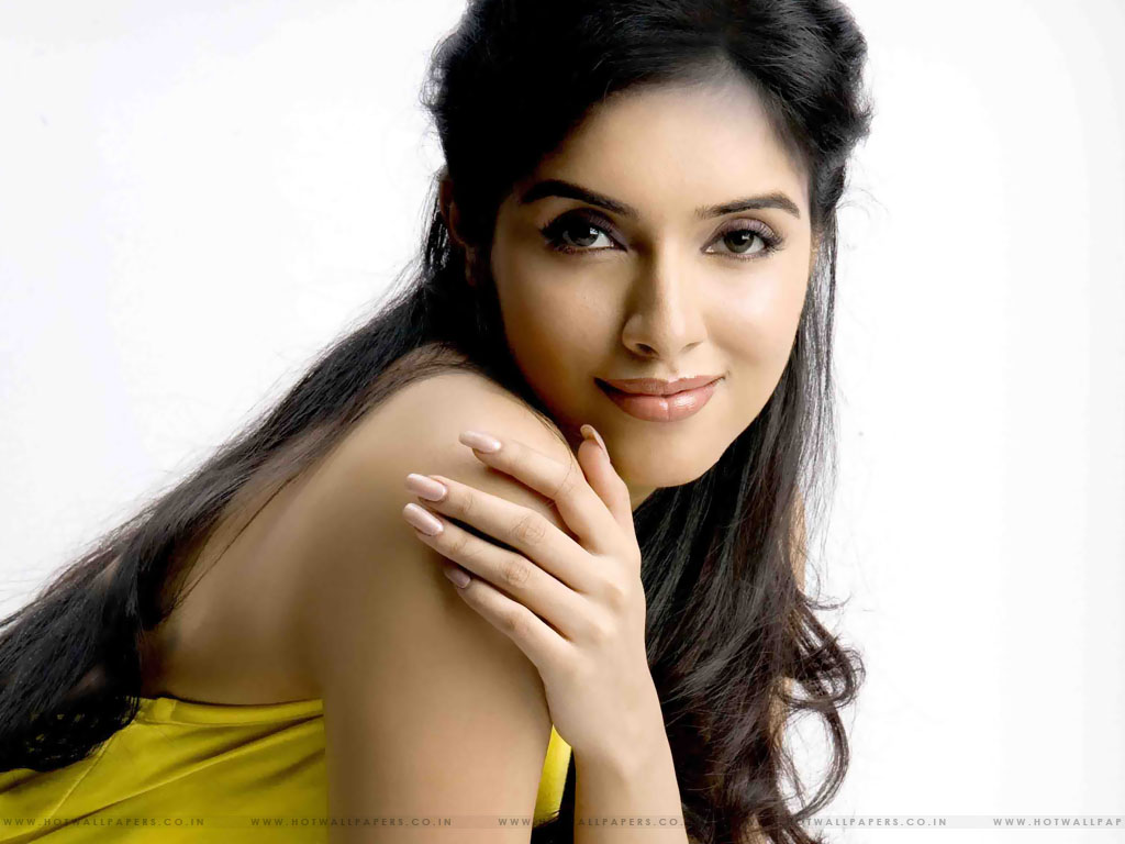 Download this Asin Hot picture