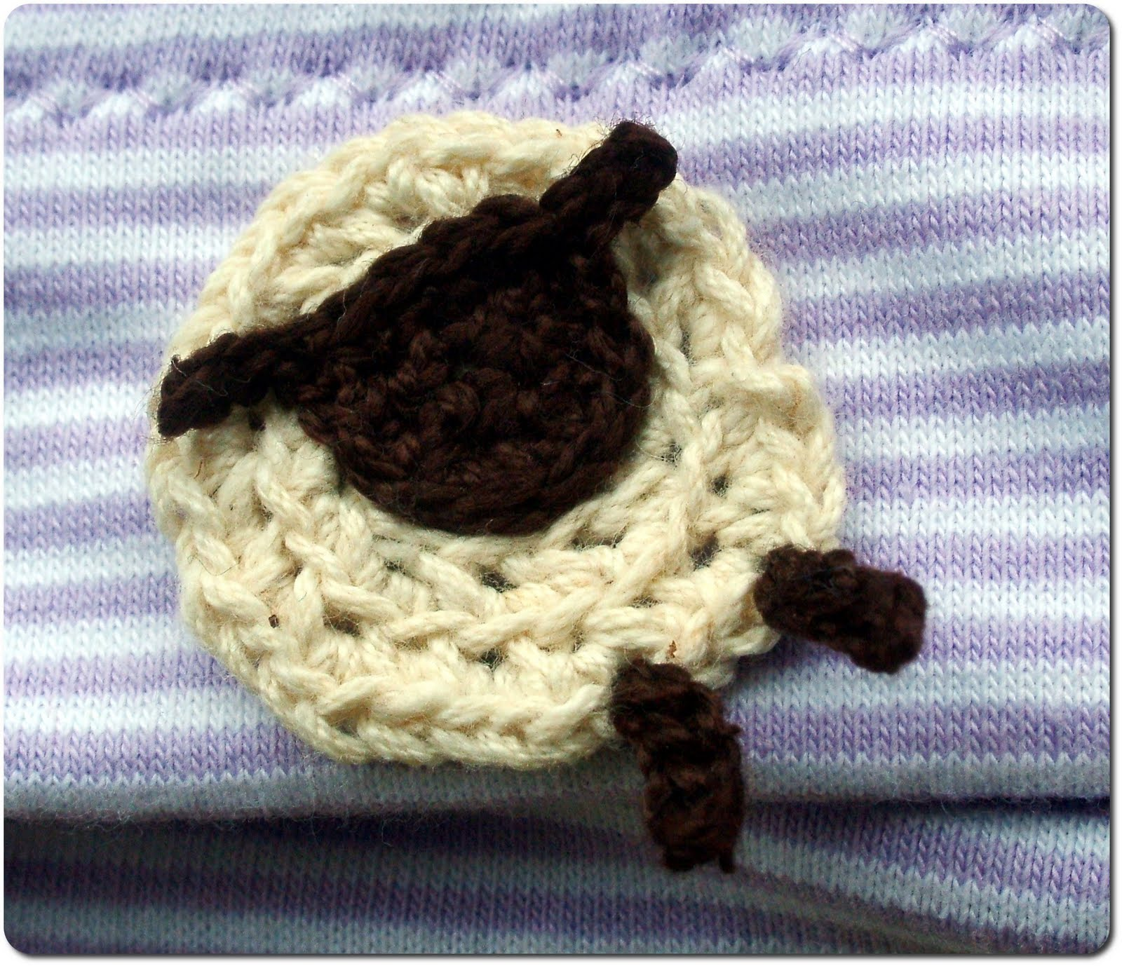 Crochet Pattern For Baby Lamb Hat : Muffins and More: Baby hat with crocheted sheep applique