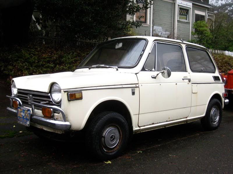 OLD PARKED CARS.: 1970 Honda N600.