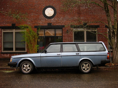 old parked cars 1983 volvo 240 turbo wagon. Black Bedroom Furniture Sets. Home Design Ideas