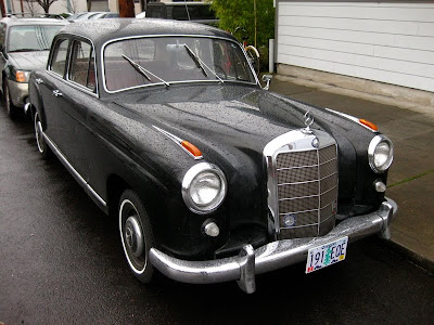 Mercedez Benz on Old Parked Cars  1958 Mercedes Benz 219
