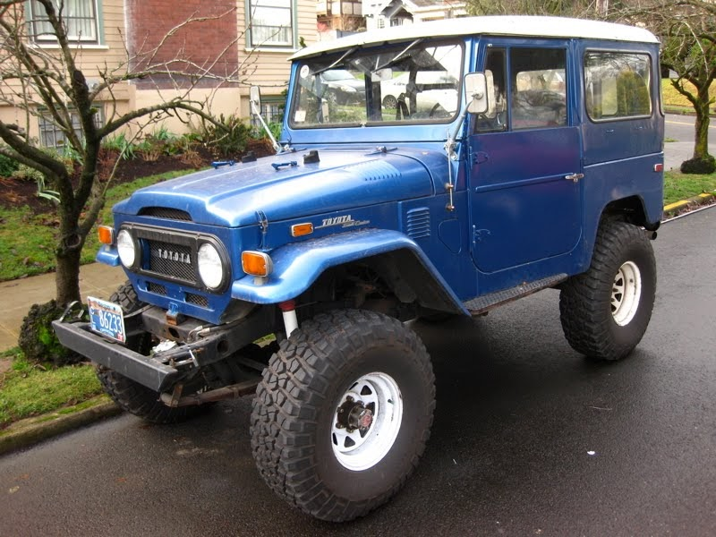 Old Parked Cars 1971 Toyota Fj40 Land Cruiser