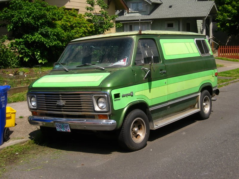 OLD PARKED CARS.: 1975 Chevy Van 20 Contempo.