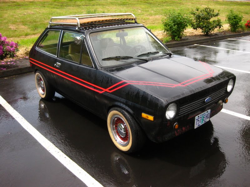 OLD PARKED CARS.: 1979 European Ford Fiesta.