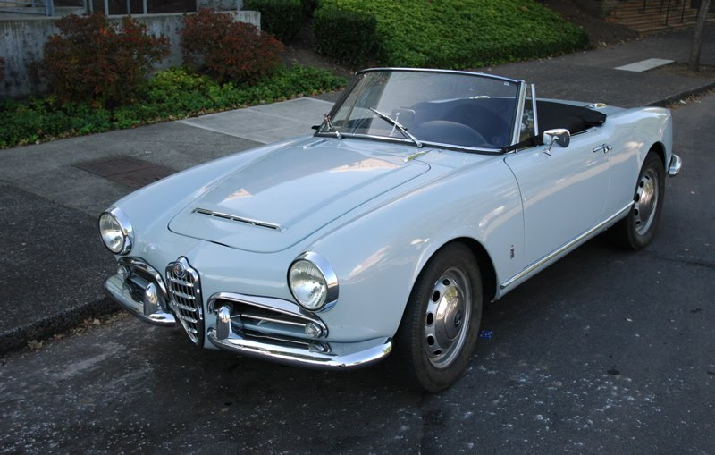 OLD PARKED CARS.: 1965 Alfa Romeo Spider 1600 Veloce.