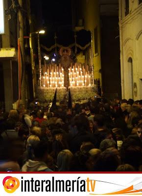 Interalmería TV retransmitirá el paso de la Esperanza Macarena por las Cruces