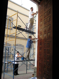 La Hermandad del Perdón restaura la puerta de San Ildefonso