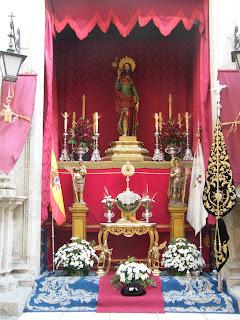 Altar soleano en Santiago a mayor honra y gloria del Santísimo