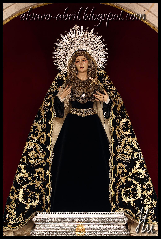La Virgen del Rosario del Mar de luto