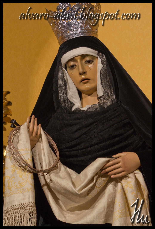 La Virgen de los Dolores de luto