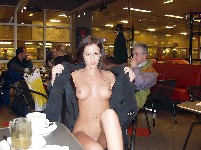 Phrase Naked girls in restaurants