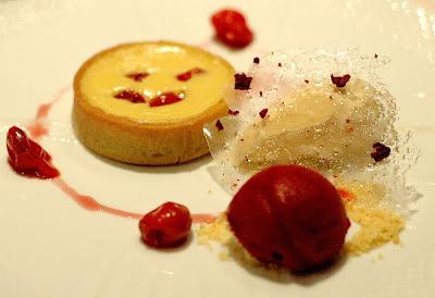 semolina tart dessert at Marea