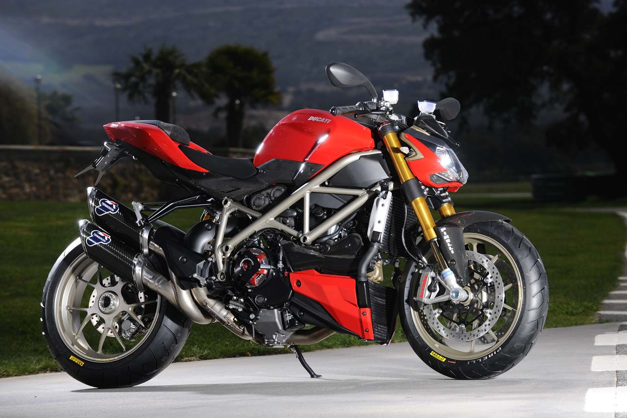 Burn the Hells Highway  2010 Ducati Streetfighter