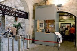 la tienda del museo de arte precolombino  Barbier-Mueller de Barcelona...