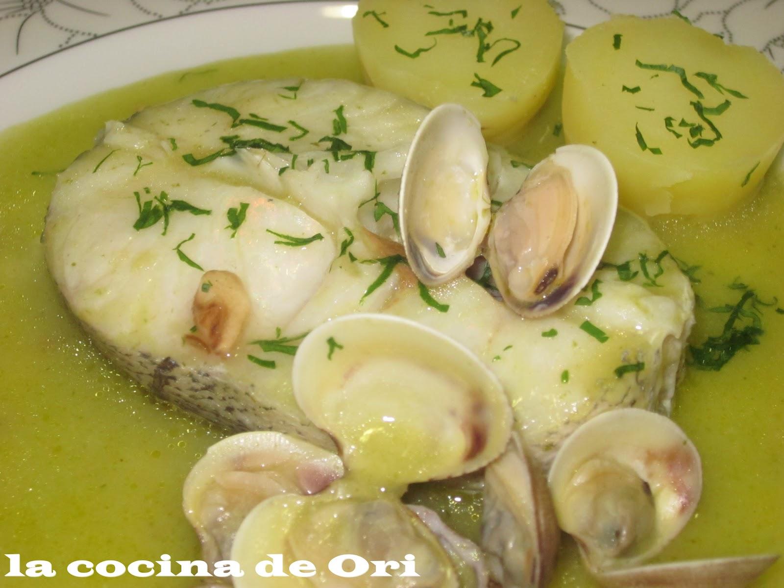 La cocina de ori merluza en salsa verde for Lomos de merluza en salsa verde