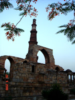 qutub minar-delhi india-famous places in india