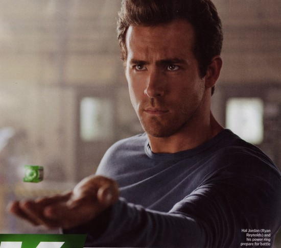 ryan reynolds green lantern costume controversy. Green Lantern images leak from