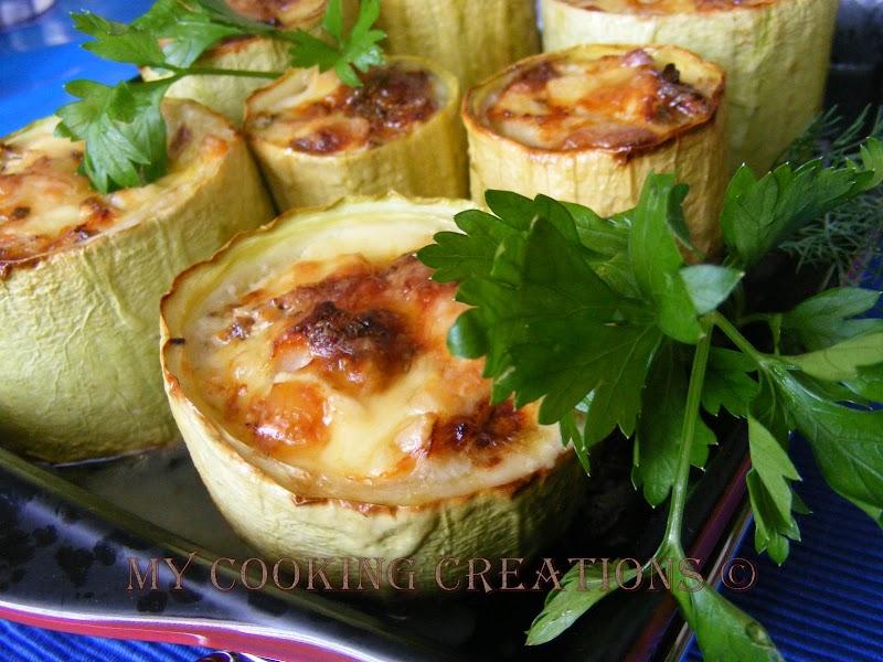 Zucchine ripiene con pollo e Gorgonzola * Пълнени тиквички с пилешко месо и синьо сирене