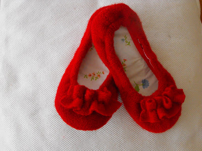 Snickerdoodle: cozy slipper tutorial-- part 2: making your slippers