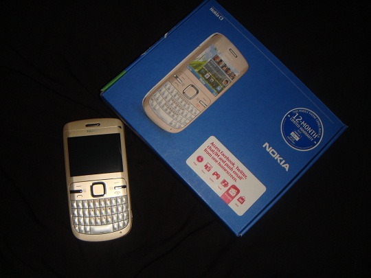 Nokia C3 Golden White.
