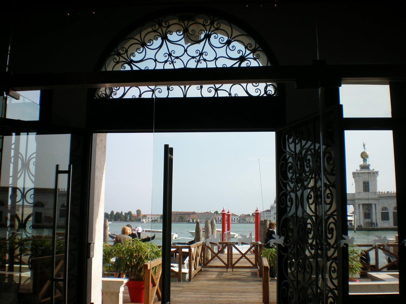 Venezia: la terrazza della caffetteria \