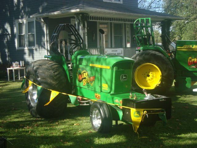 Family, Books and Crochet...Oh My!: John Deere Tractors