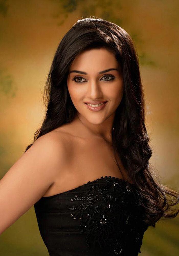 Spicy Actress Hot Gallery: RAGINIKHANNA HOT PICS