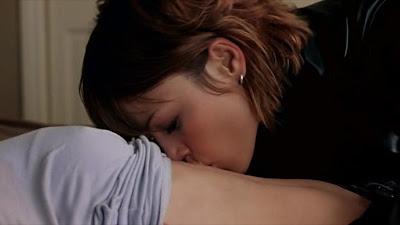 Amy Adams & Lauren German lesbian Kissing Scene from Standing Still, lesbian movie kiss scene