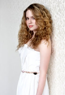 Allie Grant Weeds, Isabelle Hodes Lesbian Character