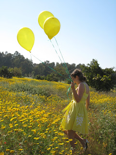 Nina yellow balloons