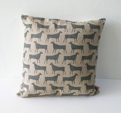 Skinny Laminx - Herds cushion in grey