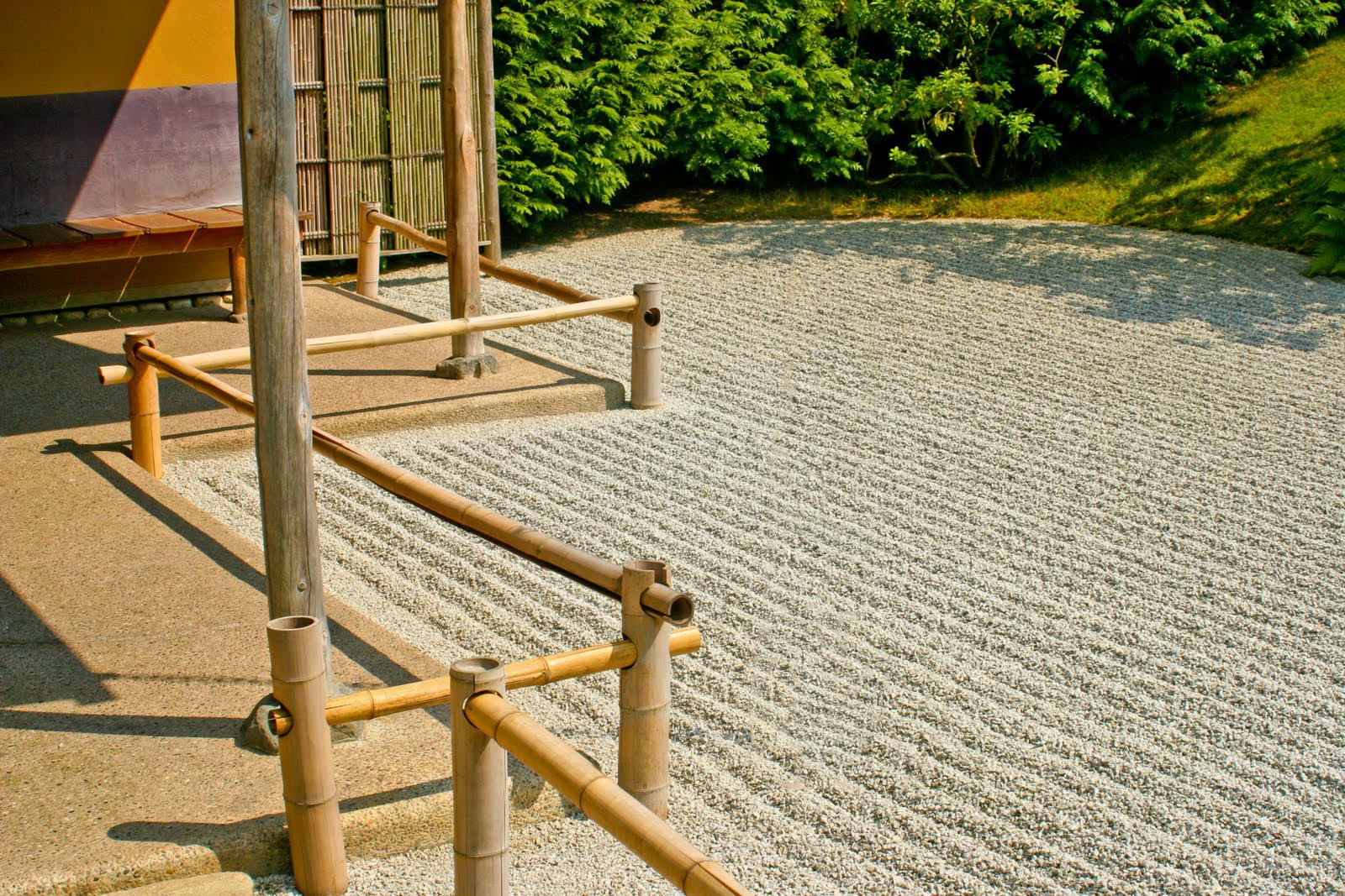Japanese garden zen garden japanese house for Japanese zen garden