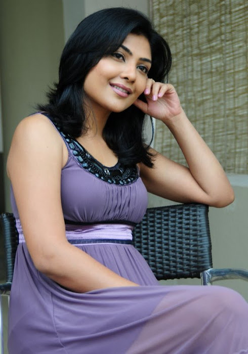 kamilini mukharjee in short frock glamour  images