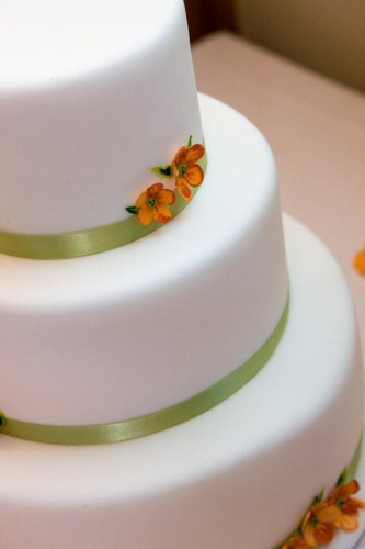 wedding cakes with flowers on top. wedding cakes with flowers on top. white icing wedding cake