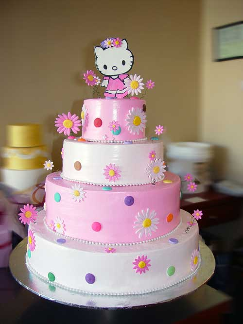 homemade birthday cake ideas. Dainty Hello Kitty wedding cake with Hello