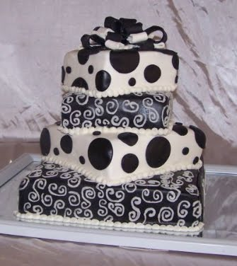 simple black and white wedding. square lack and white wedding