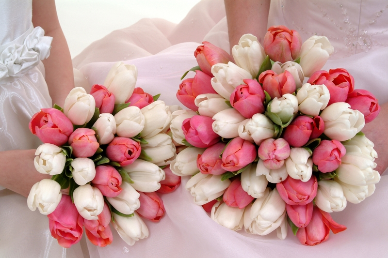 Beautiful wedding bouquets featuring white and pink tulips