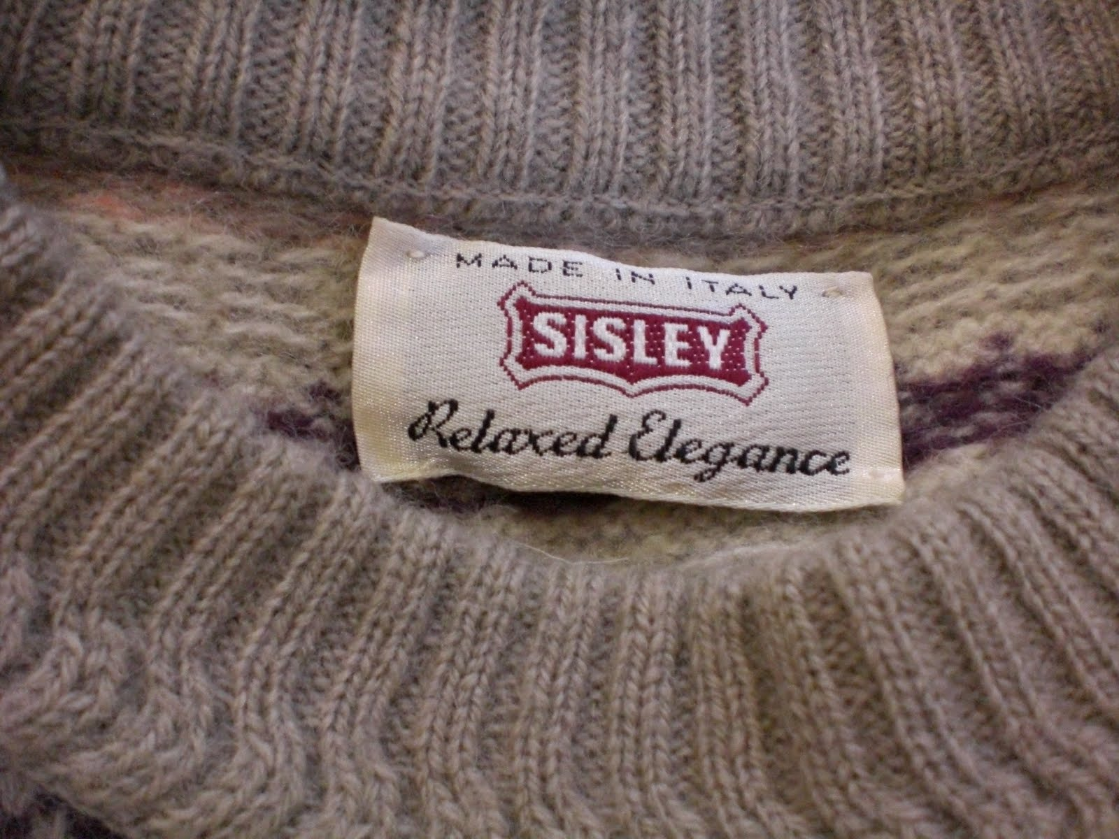 Garage Sale at Tampines is now ONLINE!  Sisley Pullover Sweater d86f4cfdab