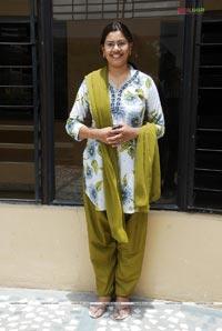hot barefeet photos of actress geetha