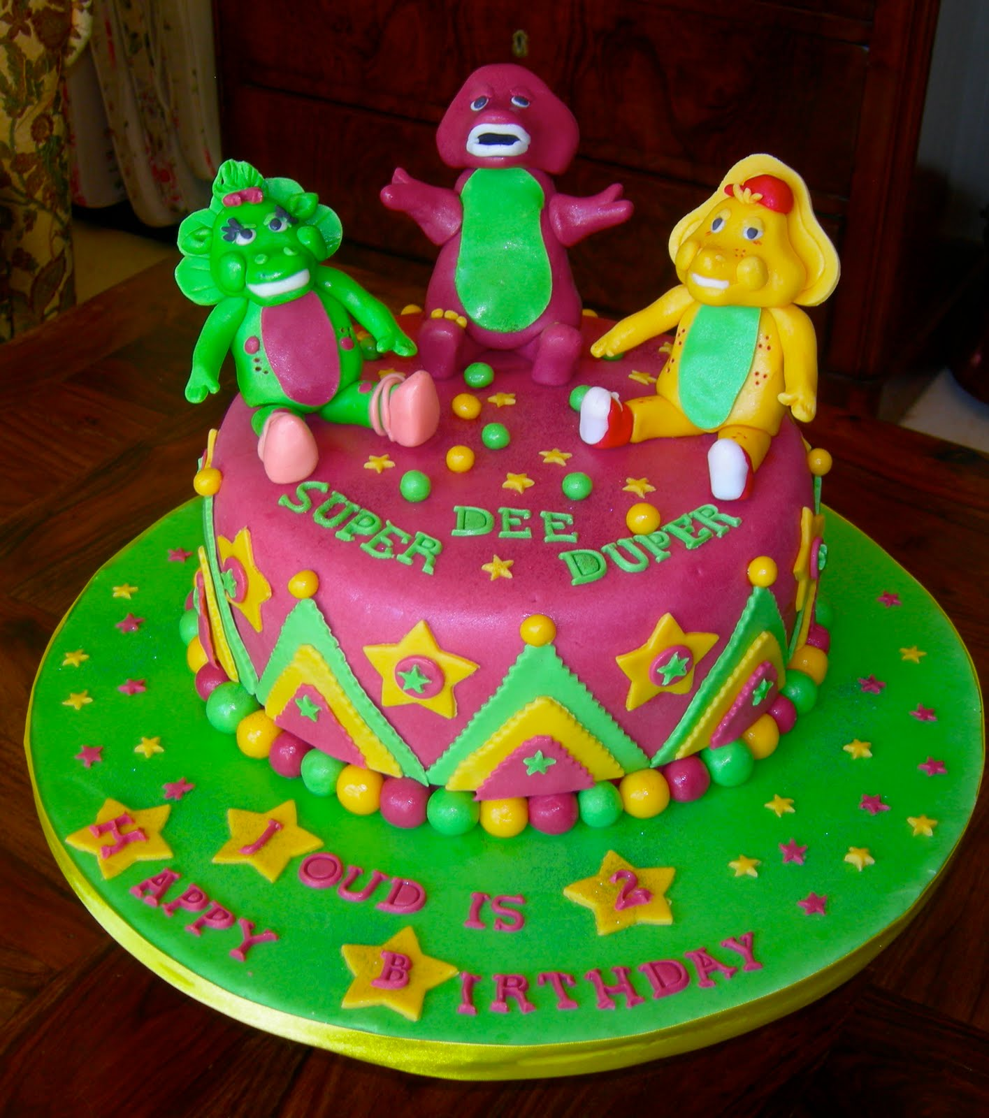 ANOTHER BARNEY AND FRIENDS CAKE