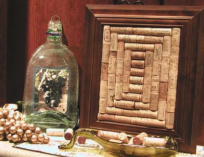 2008 03 kathi irvin wine crafts 028  8x11 O que fazer com rolhas de vinho.