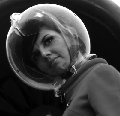 Space helmet fashion by pucci modern design by for Space age design