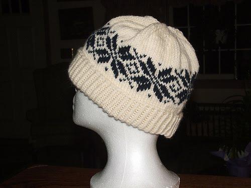 Knitting Pattern For Norwegian Hat : Cascade Yarns Blog: Free Pattern - Norwegian Star Hat - Designed by Stephanie...